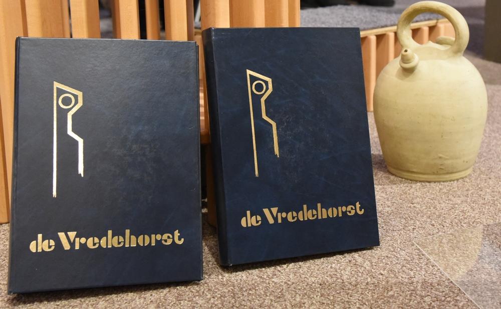 DSC_0086 de boeken zijn ook terug en de kruik foto Ada Veldman k